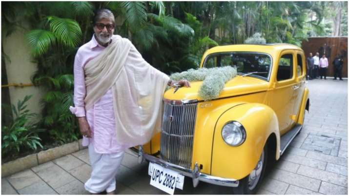 Amtabh Bachchan gets surprise gift from friend, a vintage Ford Prefect (See Pics) thumbnail