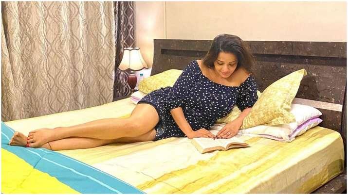 Bhojpuri actress Monalisa spends self-quarantine period