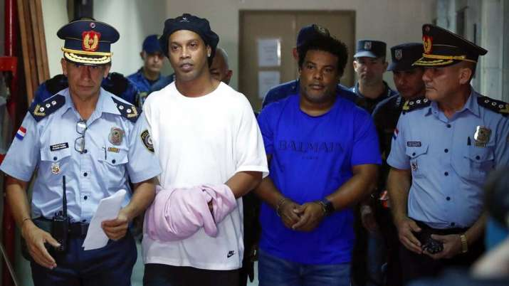 Ronaldinho loses appeal for release from house arrest