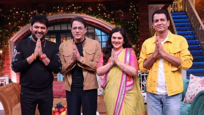 TKSS: Ramayan's Ram, Sita aka Arun Govil and Dipika Chikhlia have fun time in Kapil Sharma's show. W