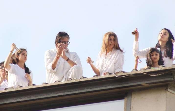 India Tv - Amitabh Bachchan and family at the balcony.
