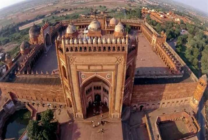 Fatehpur Sikri sealed, cases in Taj city reach 135