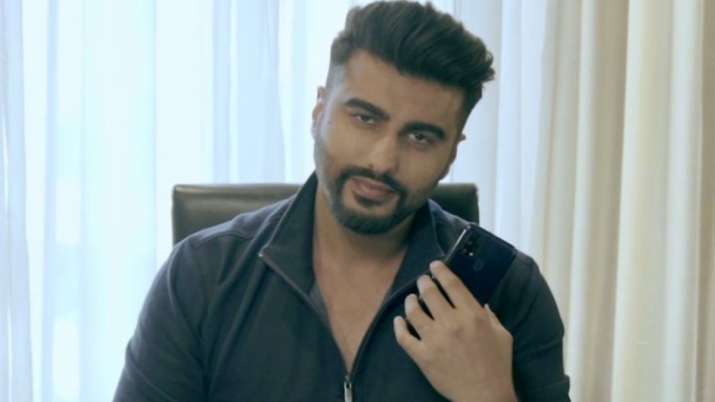 COVID-19: Arjun Kapoor to go on a virtual date to help raise funds for daily wage earners