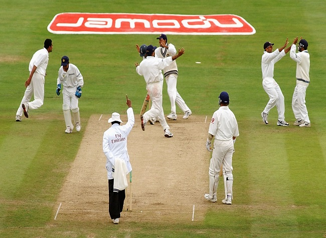 India Tv - Anil Kumble of India celebrates the wicket of Nasser Hussain of England during the fifth day of the third Npower test match at Headingley in Leeds on August 26, 2002.