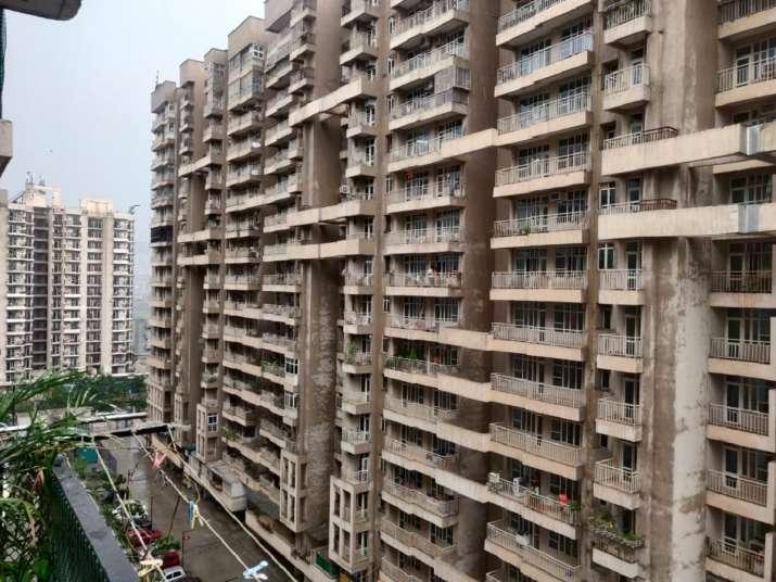 India Tv - noida hailstorm, rain noida, noida rain latest news, noida hailstorm latest news, noida weather late