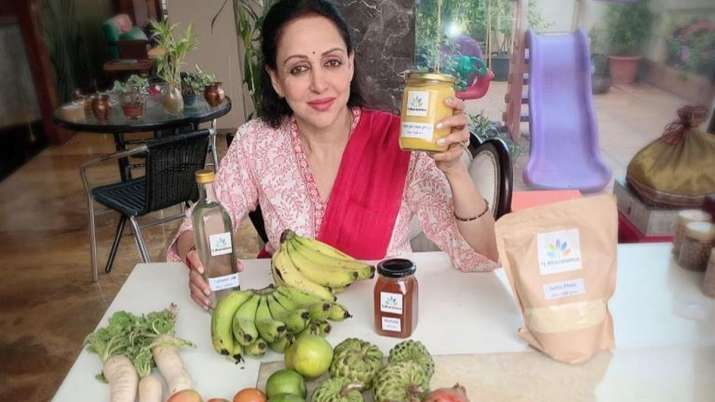 Hema Malini's life in quarantine: I do yoga, meditate, wash clothes and water plants thumbnail
