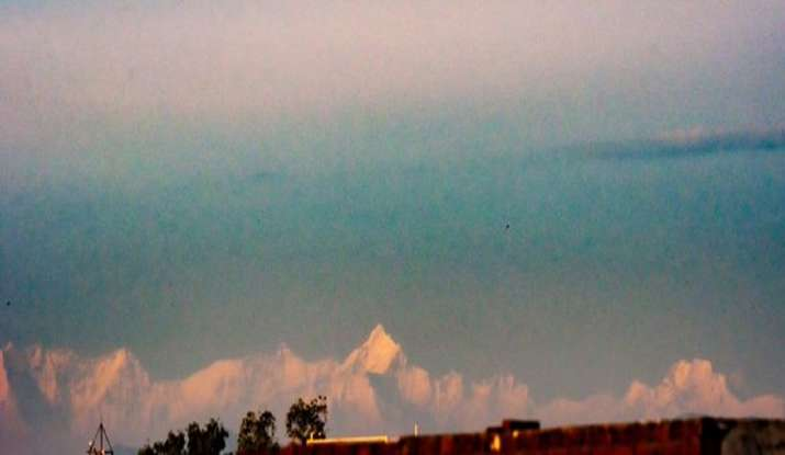 India Tv - View of the Himalayas from Saharanpur: Thanks to improved AQI due to lockdown