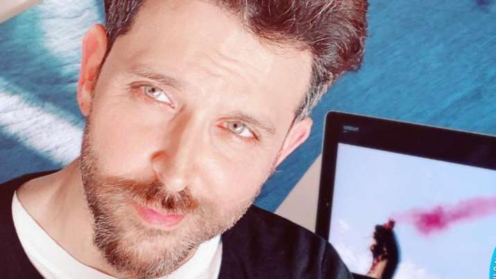 Hrithik Roshan shares coronavirus patient's story and asks everyone to stay away from rumors