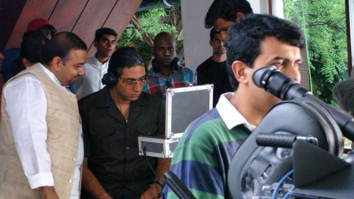 Flashback Friday: Abhishek Bachchan recalls interesting incident from film Guru's Tere Bina song sho