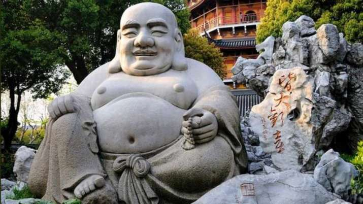 Vastu Tips: Know why it is forbidden to keep statue of Laughing Buddha in kitchen and these places