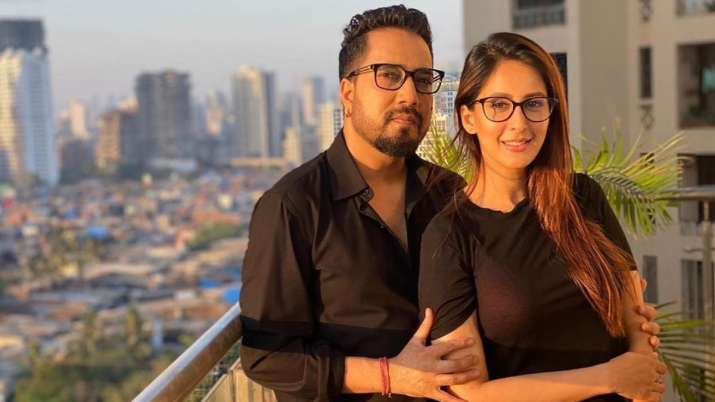 Has Mika Singh fallen in love with 'Bade Achhe Lagte Hain' actress Chahatt Khanna? Find out what's