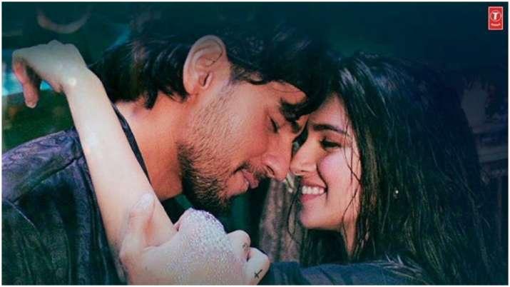 Masakali 2.0: Sidharth Malhotra, Tara Sutaria recreate AR Rahman's Delhi-6 number, see teaser and po