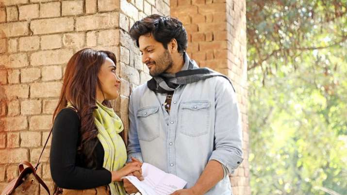 Ali Fazal, Surbhi Jyoti feature in Vishal Mishra's song 'Aaj bhi' thumbnail