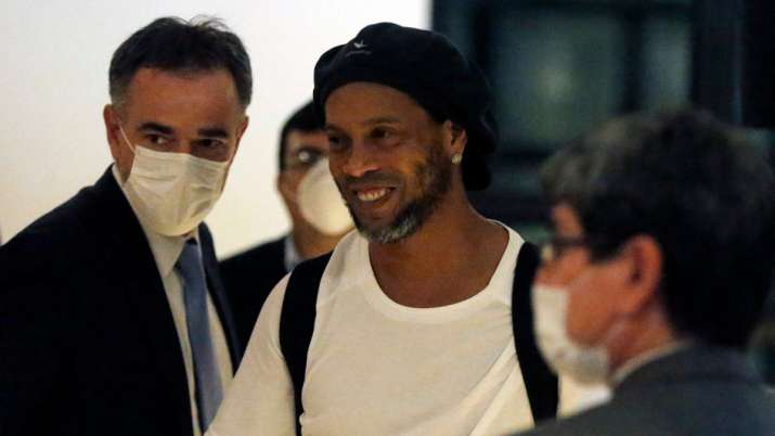 Ronaldinho to leave jail for luxury hotel house arrest