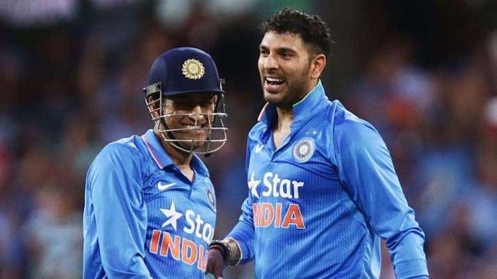 Yuvraj Singh with MS Dhoni