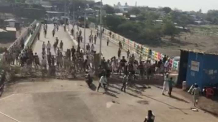 Clashes breakout between locals and police amid lack of essential items in Malegaon
