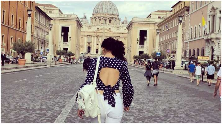 Taapsee Pannu remembers her Rome vacation amid lockdown, shares throwback picture