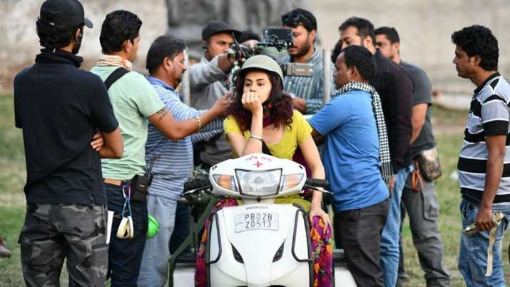 Taapsee Pannu wishes to get back to the chaos soon, shares photo from Manmarziyaan sets
