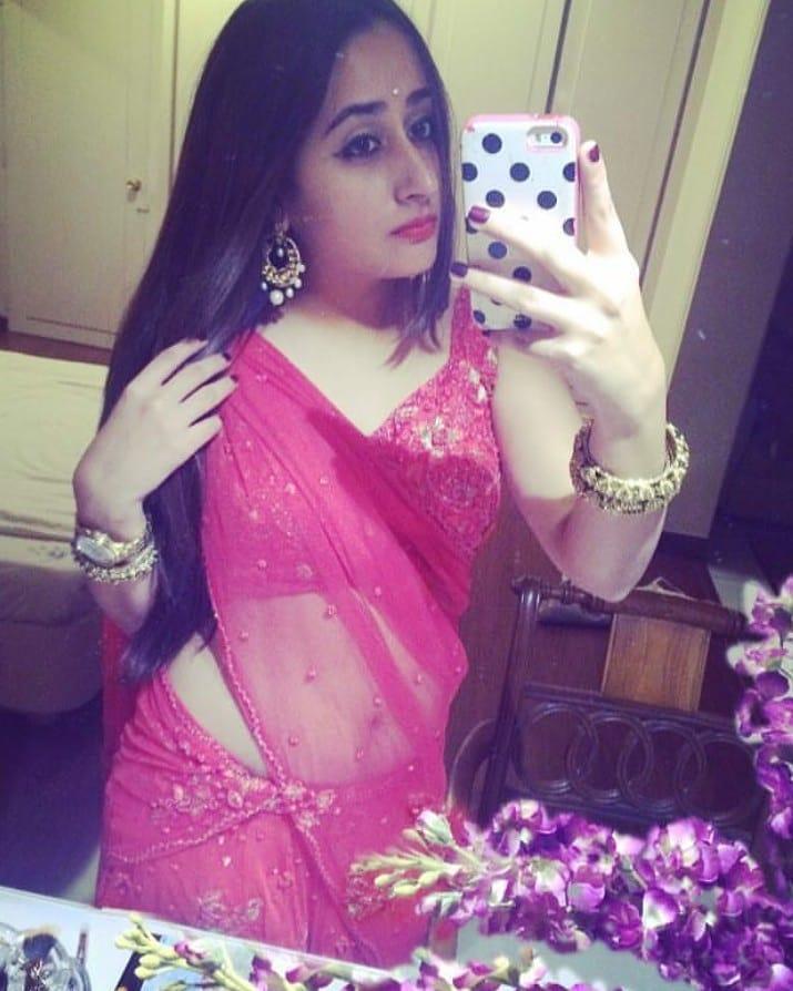 India Tv - Varun Dhawan and Natasha Dala's unseen photos