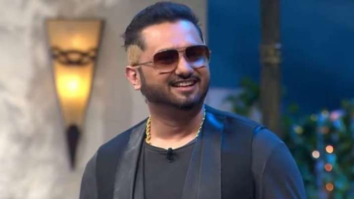 After Loca, Yo Yo Honey Singh is back with a bilingual song