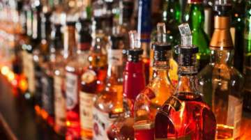 Liquor shops in MP can be opened between 7 am and 7 pm, district collectors to take final call