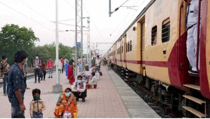 labourers jump off train