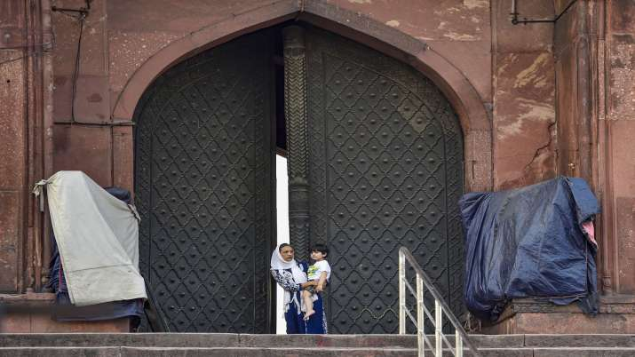 Eid Ul-Fitr to be celebrated on May 25 as moon could not be sighted today: Jama Masjid's Shahi Imam