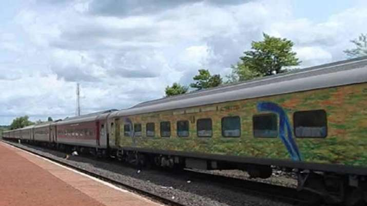 Duronto trains, Howrah, Yasvantpur, indian railways, IRCTC online booking