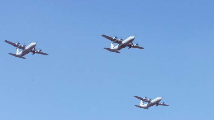 Coronavirus warriors, IAF jets, navy choppers