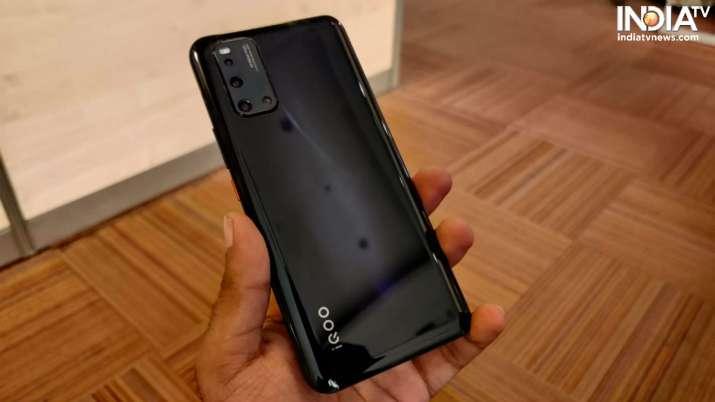 India Tv - 5g smartphones, 5g smartphones in india, oneplus 8, oneplus 8 pro, xiaomi mi 10, realme x50 pro, iqo