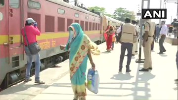 First special train carrying nearly 1,200 migrant labourers reaches Patna