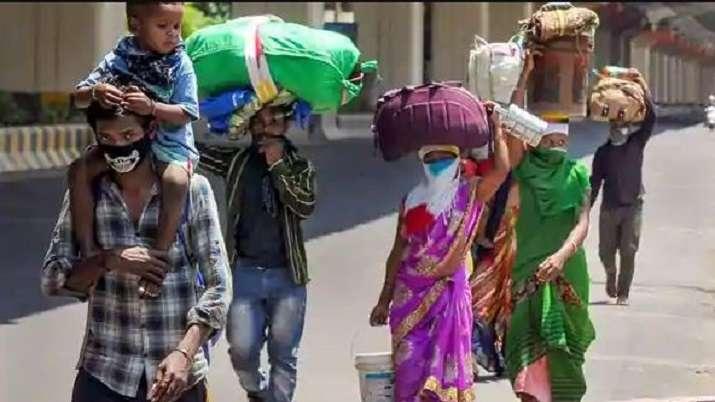Maharashtra: 1,000 migrant labourers hit streets, demand return home
