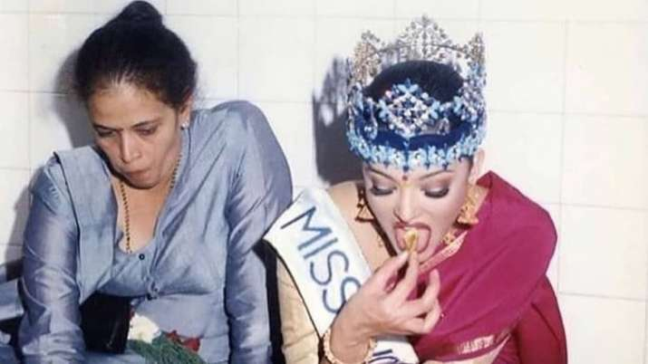 India Tv - Aishwarya Rai enjoying a meal on floor with mother after getting crowned
