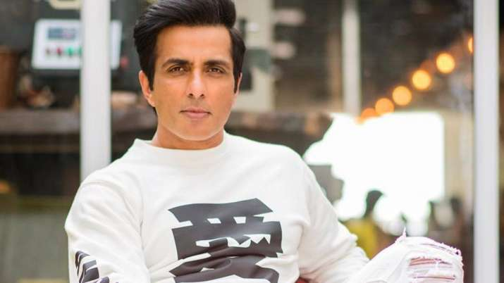 Little girl asks Sonu Sood if he can send her 'mumma to Nani house.' Actor reacts