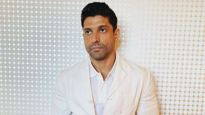 After Mumbai Police, Farhan Akhtar sends consignment of PPE kits to hospital