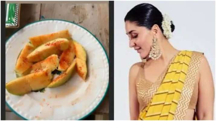 India Tv - Kareena's love for raw mangoes