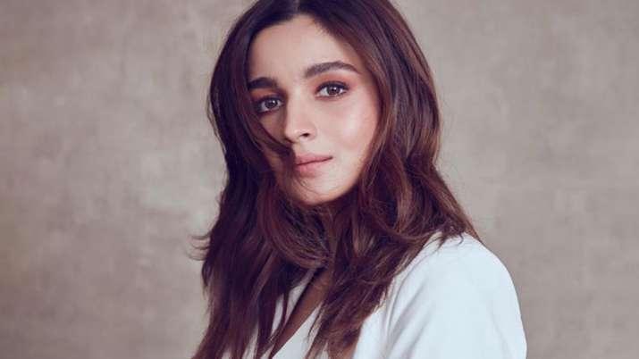 Alia Bhatt sings praises for Anushka Sharma's Paatal Lok, compliments Raazi co-star Jaideep Ahlawat