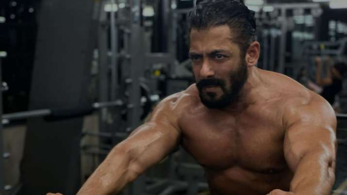Jacqueline Fernandez is impressed with Salman Khan's workout session