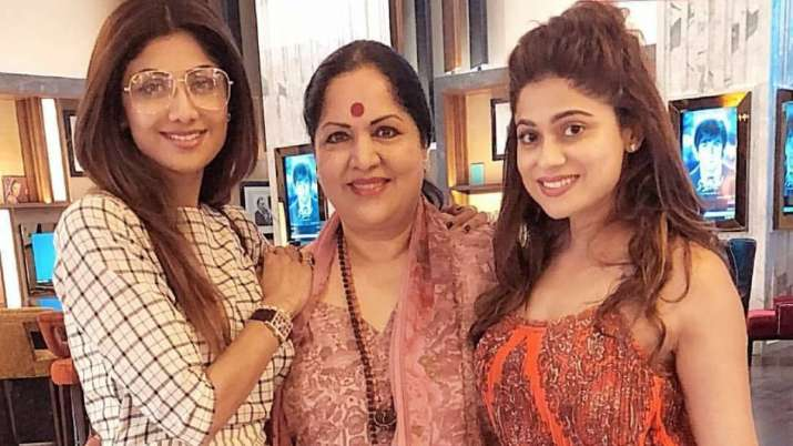 Mother S Day 2020 Shilpa Shetty And Other Bollywood Celebs Share Cute Tik Tok Videos With Their Moms Celebrities News India Tv