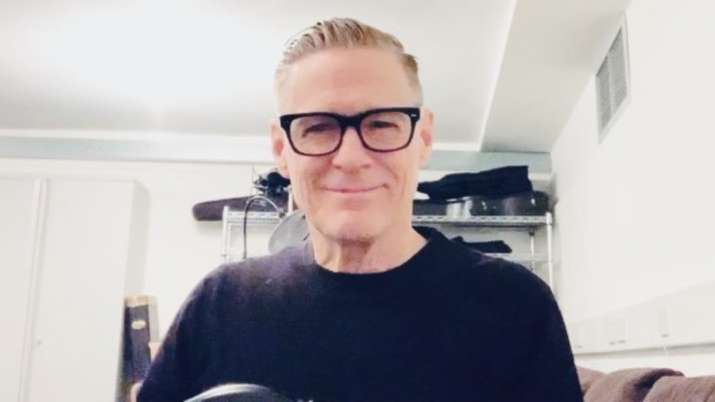 Bryan Adams offers 'no excuse' apology after 'bat eating' coronavirus rant thumbnail