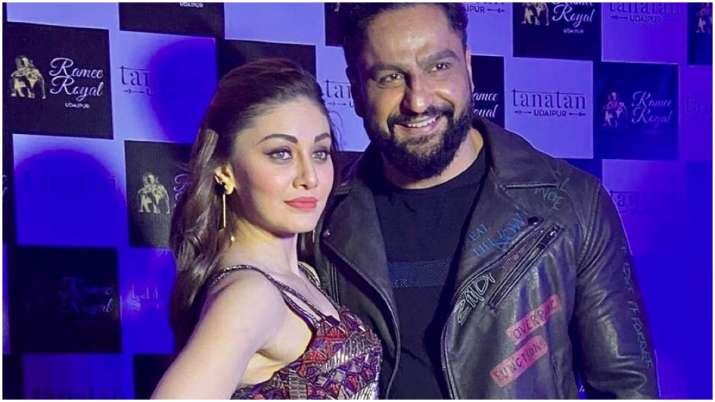 Parag Tyagi's father dies, actor and wife Shefali Jariwala fly to hometown from Mumbai for last rite