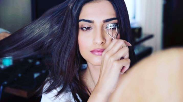 Sonam Kapoor considers curling eyelashes an 'impossible task'