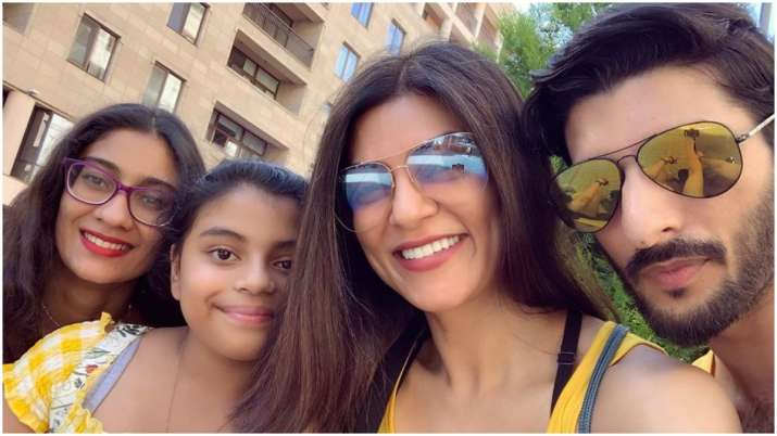 Sushmita Sen shares video of daughters Renee and Alisah playing the piano, calls it her 'lovestory'