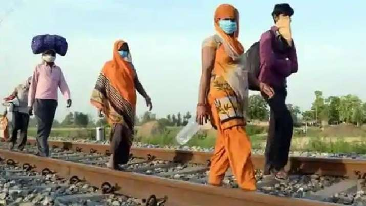 SER reduces speed of trains amid movement of migrants along tracks