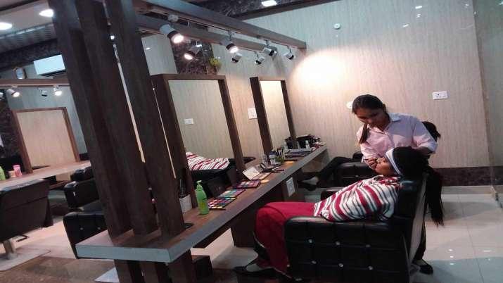 Himachal Pradesh: Salons to open in three-four days in Una