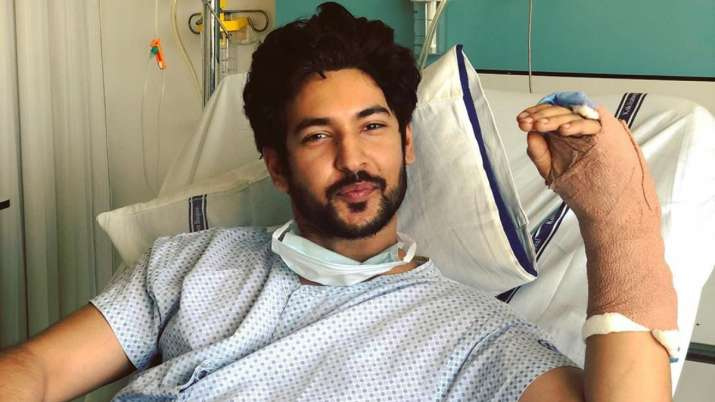 Beyhadh 2 actor Shivin Narang discharged from hospital, says all is well