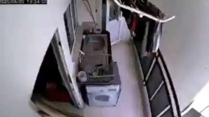 bengaluru cctv video, bengaluru loud noise video, bengaluru loud boom video, thunderous noise video,