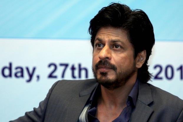 Shah Rukh Khan urges fans to come forward and supprot health officials and medical teams