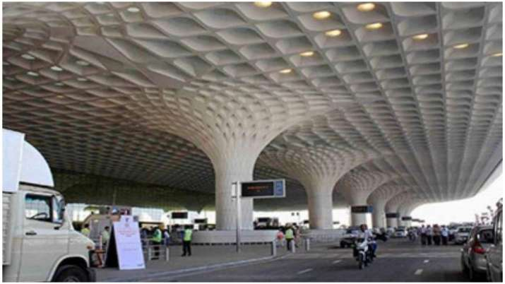 Mumbai airport operates 50 flights, caters to about 5 thousand passengers