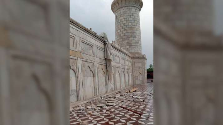 India Tv - Damage sustained by the Taj Mahal